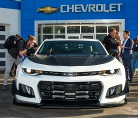 2018 chevrolet camaro zl1. contemporary zl1 chevy unveils 2018 camaro zl1 1le at daytona in chevrolet camaro zl1
