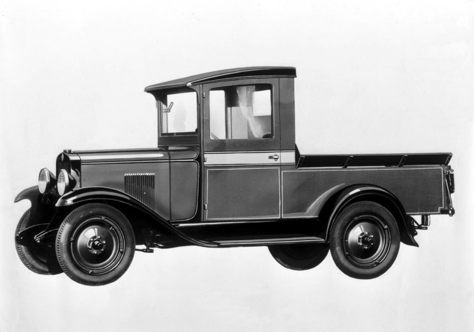 Chevy Trucks Com >> Great Moments In Chevy Trucks Torque History