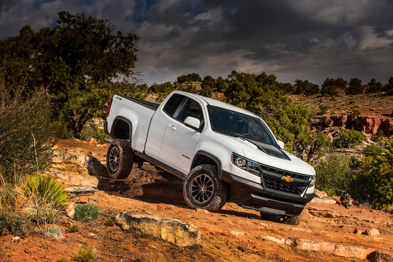 Colorado chevy colorado zr2 : Chevrolet Colorado ZR2 named Cars.com's Best Pickup Truck of 2018