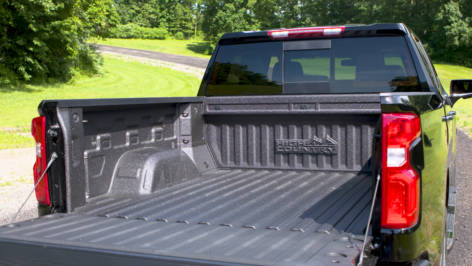 Chevy Truck Bed Dimensions Chart >> 2019 Silverado 1500 Durabed Is Largest Pickup Bed