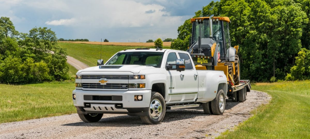 2018 Silverado 3500 Hd White Ltz Custom Sport Crew Cab Towing John Deere Backhoe Loader With