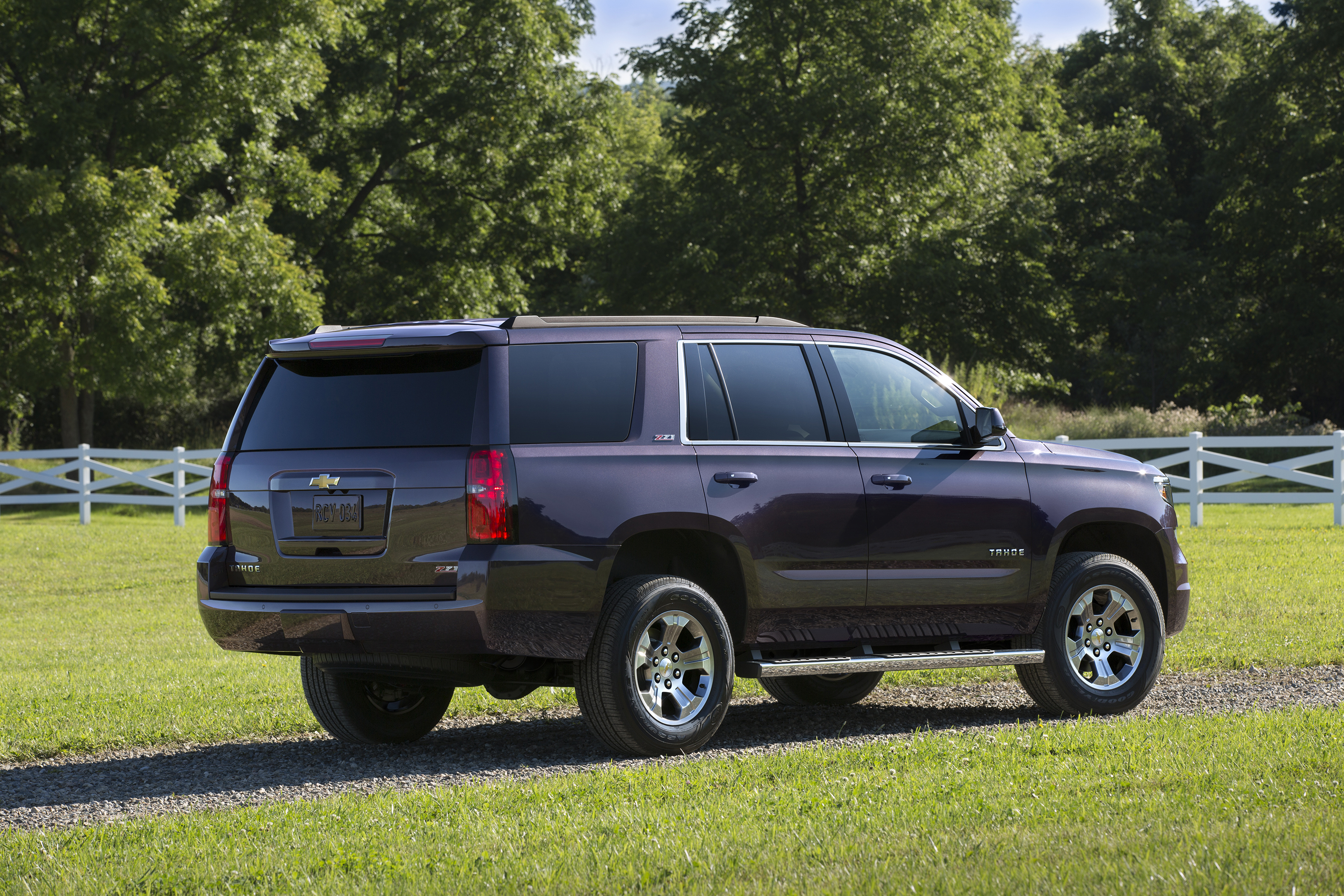 and pages chevrolet content sale suburban news vehicles convenience media us aug detail connectivity add for tahoe en