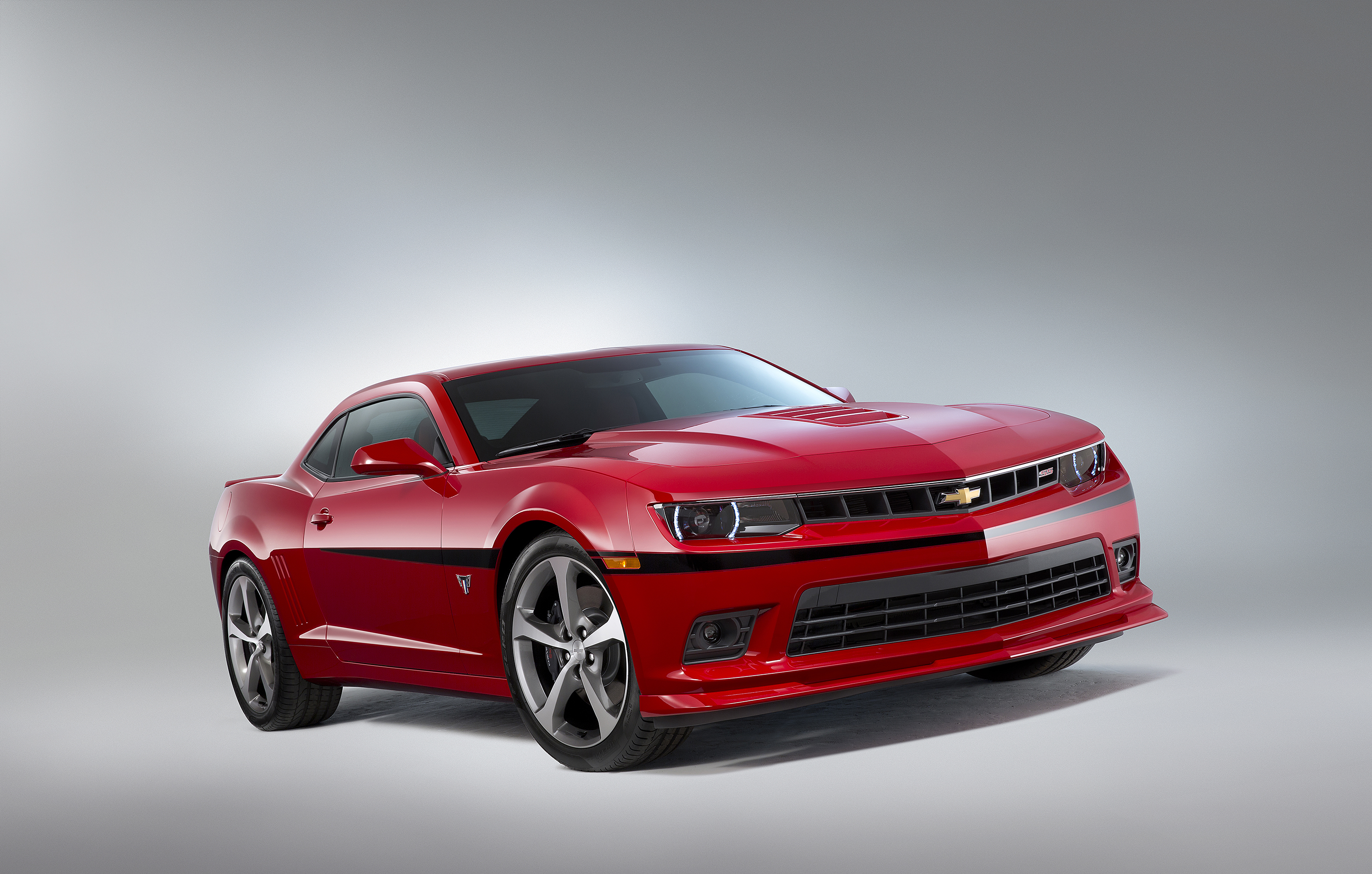 2015 Camaro Commemorative Edition Debuts at SEMA