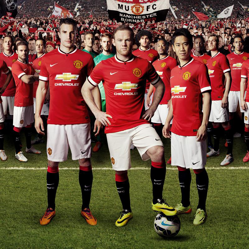 official photos 6f9d1 51223 Chevrolet Celebrates Debut on New Manchester United Shirt