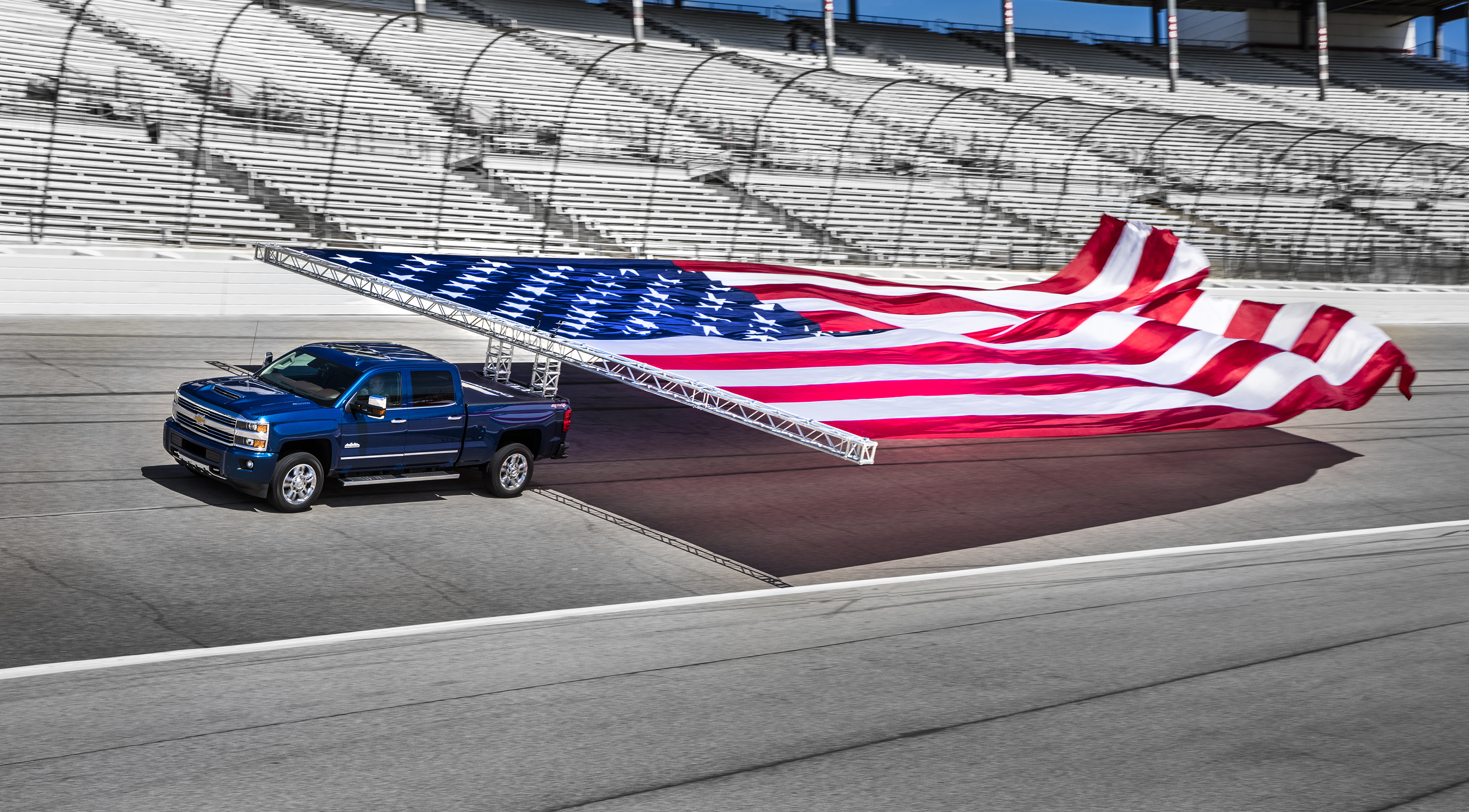 2016 Duramax Specs >> Chevrolet Sets Guinness World Records Title