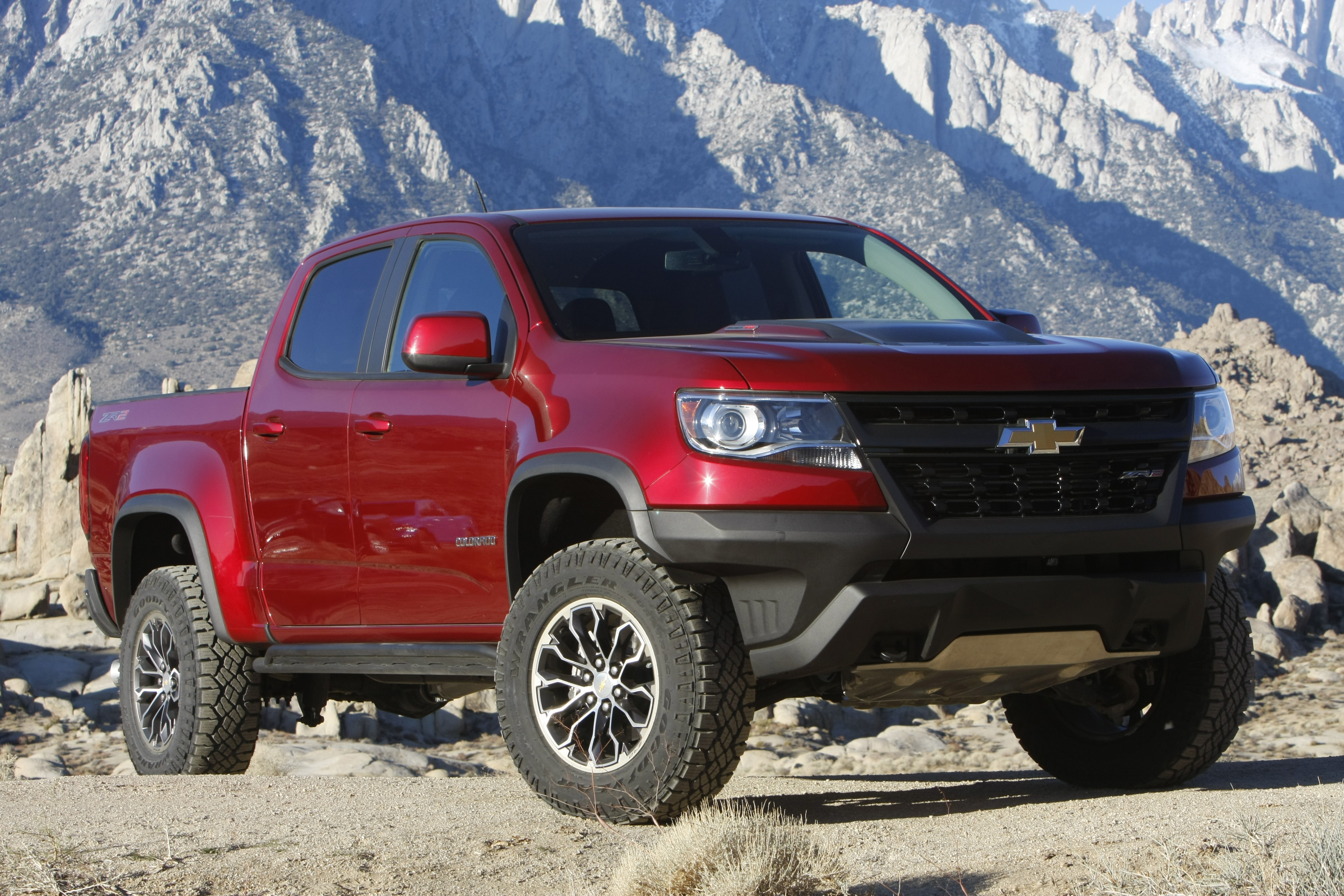 Chevrolet Colorado Zr2 Is Four Wheeler S 2018 Pickup Truck Of The Year