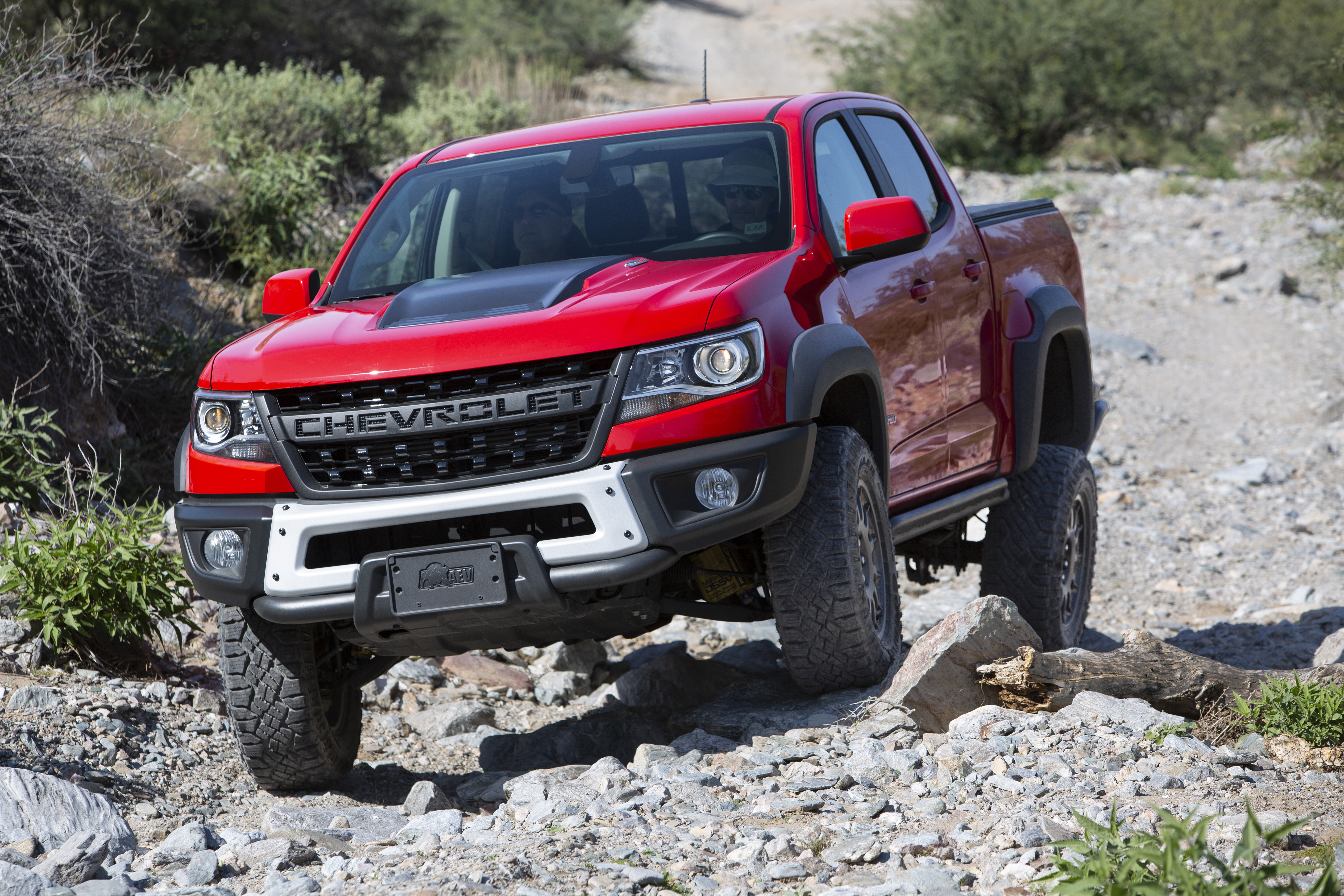 Chevrolet Colorado Zr2 Bison Named First Ever Overland Truck Of The Year
