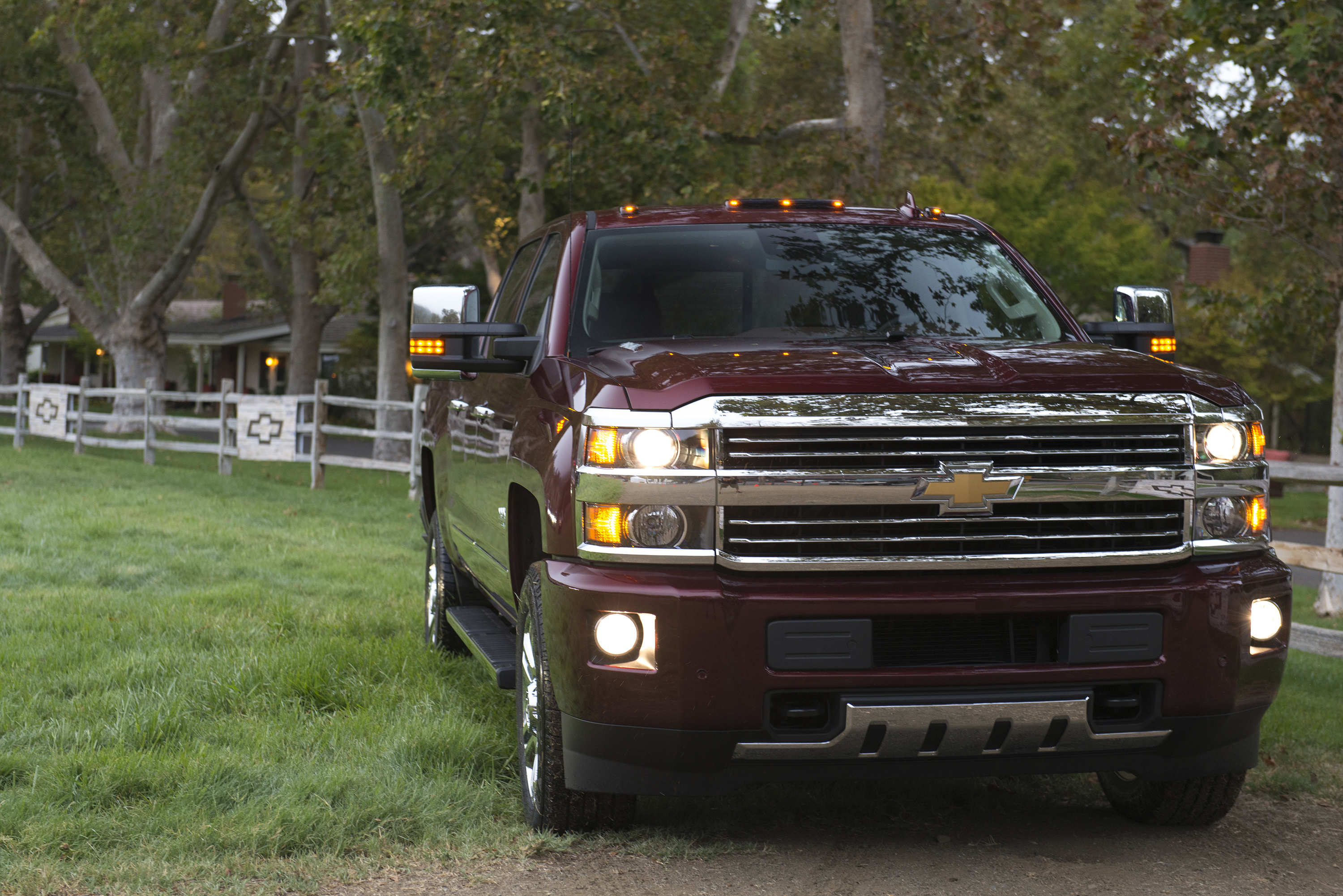 silverado makes articles chevrolet informations photos