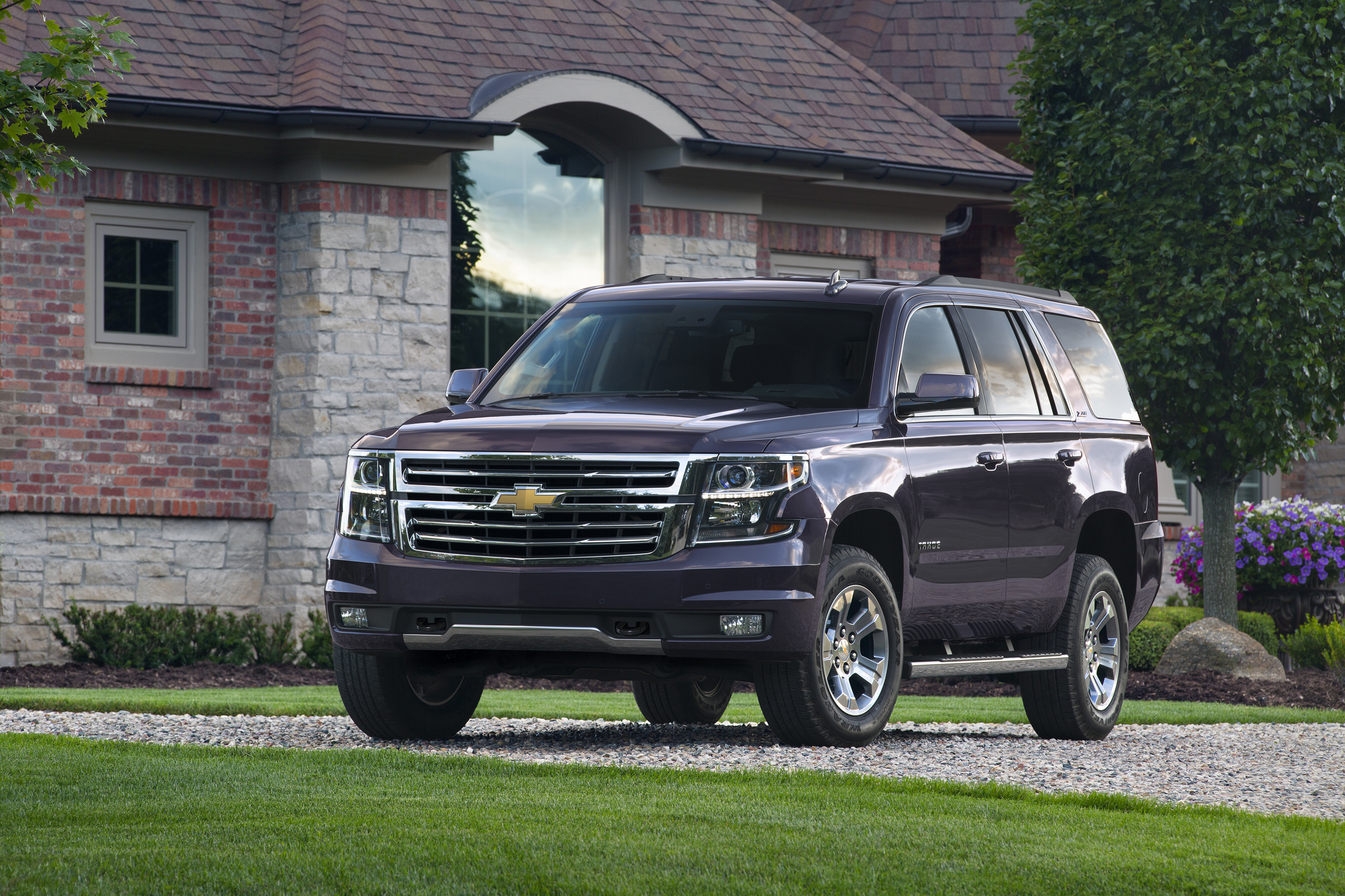 Chevrolet Introduces Tahoe And Suburban
